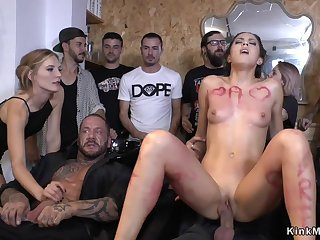 Petite Euro bitch copulated at hairdressers