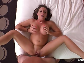 Big Tit Dark Hair Girl Amateurs Mother I´d Like To Fuck  - HD video