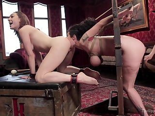 An ordinary day turns to a threesome between Lily Labeau and friends