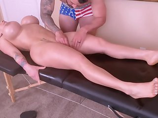 Horny Young Mommy Is Spoiled With A Tongue Massage And A Ro - massage