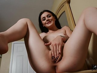 POV hairy pussy fucking with delicate doll Rosalyn Sphinx