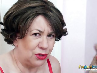 EuropeMaturE British Lady Toying Masturbation