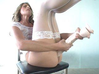Skinny solo model Kara Price loves sitting on a massive dildo